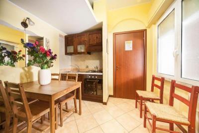 cucina attrezzata casa vacanze vicino al Vaticano