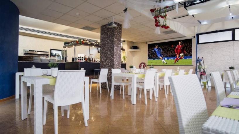 Pizzeria il Ristorantino in albergo elegante vicino L'Aquila