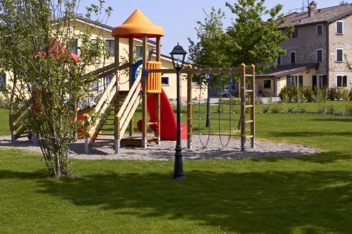 Agriturismo con parco per bambini a ReggioEmilia