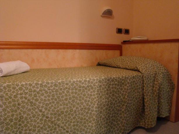 Hotel*** a Silvi mare bandiera Blu, letti singoli