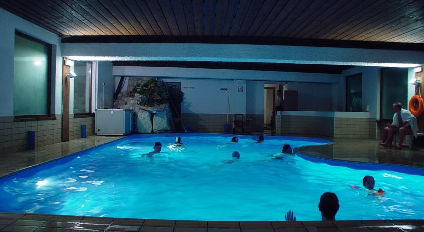 Hotel con piscina coperta a folgaria centro centro - Hotel con piscina coperta e riscaldata ...