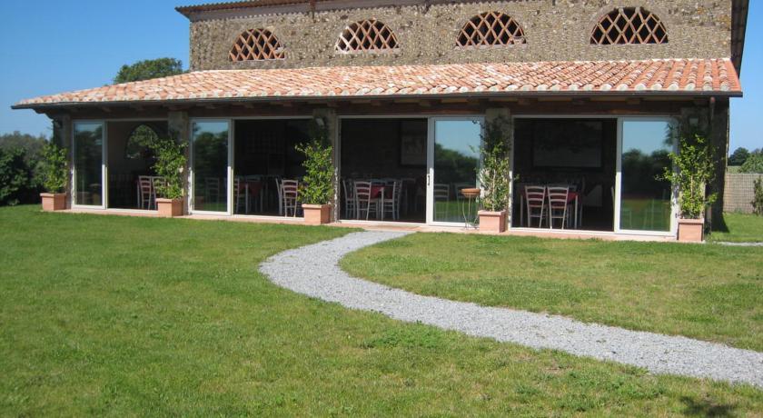 Agriturismo Maremma Laziale Tuscia ristorante piscina Canino