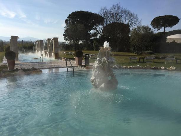 Terme esterne Hotel Roma per rilassante bagno