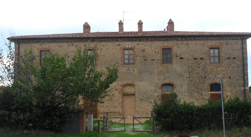 Antico casale ristrutturato con camere