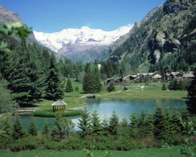 Nature, mountains and lakes for the italy-holiday