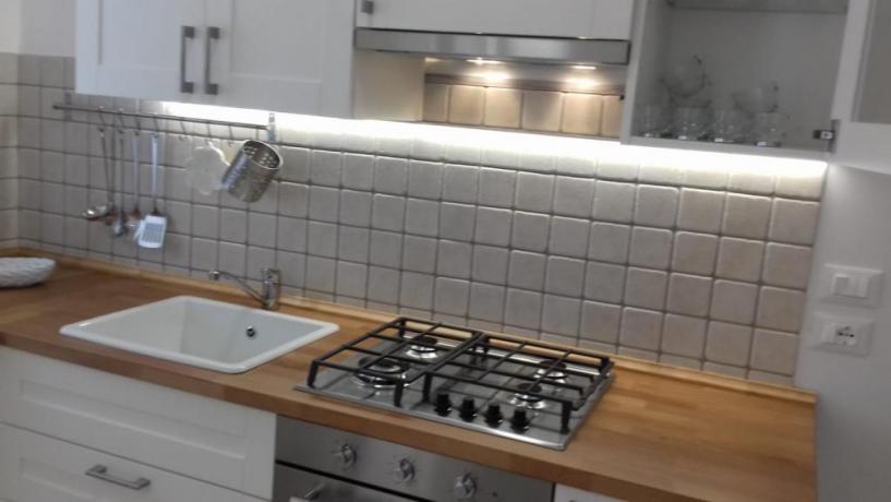 Cucina con Forno e frigorifero Foce-Varano