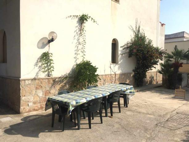 Mangiare all'aperto villa con vista mare