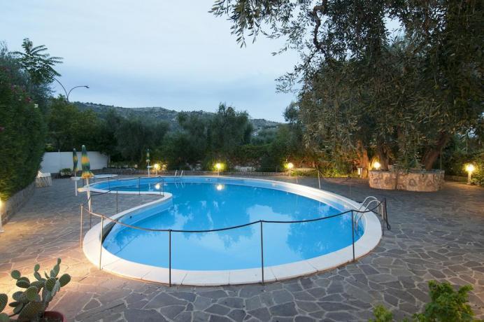 Hotel 3 stelle con piscina nel gargano hotel sul gargano per famiglia con piscina e giochi - Piscina assori foggia prezzi ...