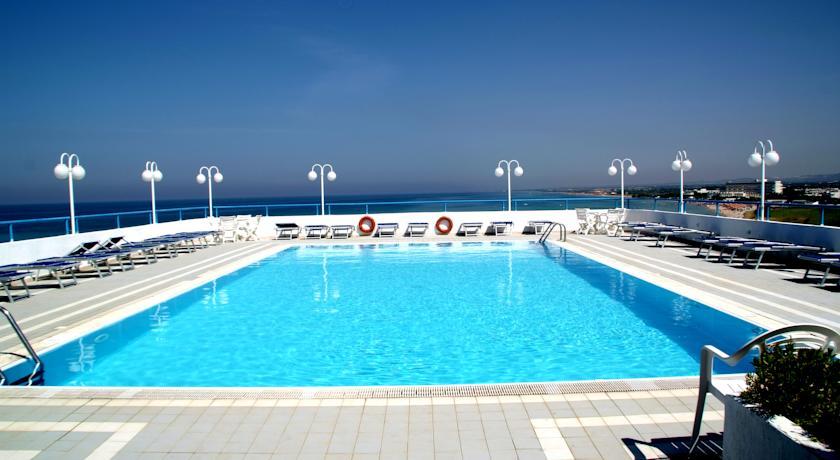 Hotel con Piscina sul Mare del Salento