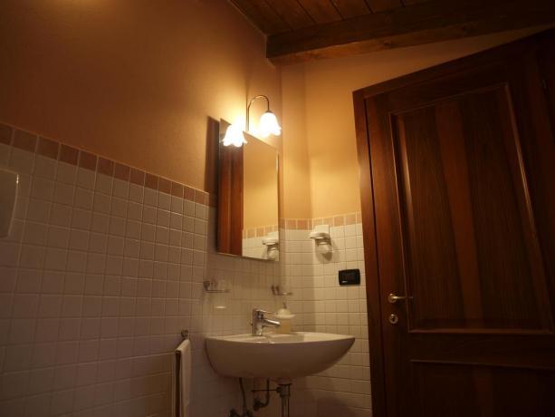 Appartamenti con spazioso bagno privato vicino Modena