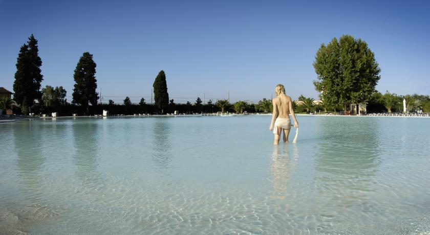 Piscina Hotel con Acqua Termale a Tivoli