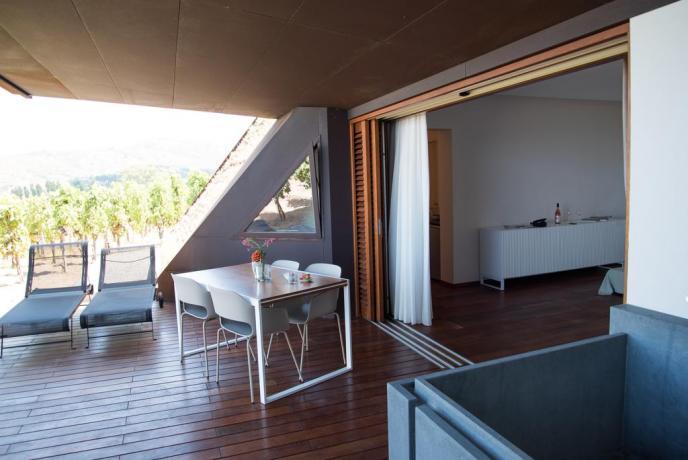 Appartamento vacanza arredato Lipari con vetrata Sicilia