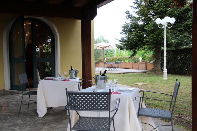 Ristorante con patio all'aperto Hotel vicino Assisi