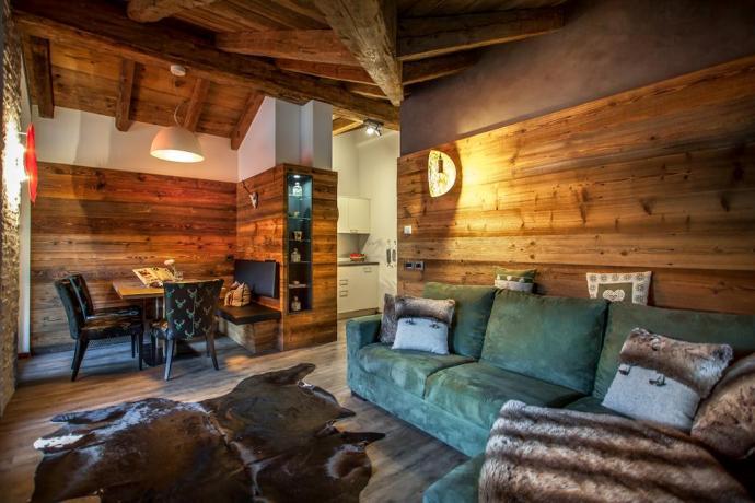 Appartamento con ampio soggiorno, Chalet Alta Badia