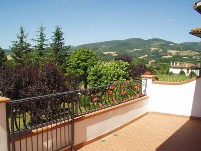 Ampio terrazzo con vista panoramica