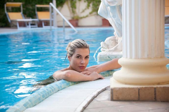 Le piscine con acqua naturale