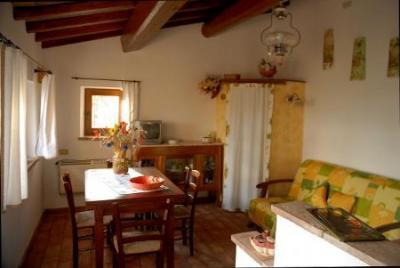 Soggiorno e zona pranzo casa vacanze Umbria