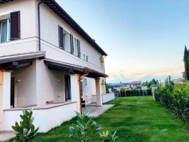 Villa Vacanza a Foligno con Giardino recintato