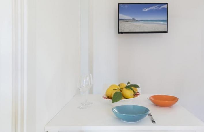 Appartamento vacanze moderno San-Vito-lo-Capo tavolo e tv