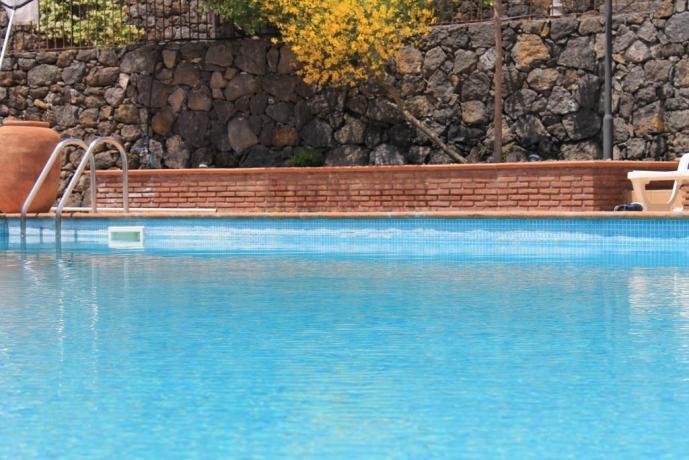 Agriturismo con piscina Adrano vicino Parco Etna