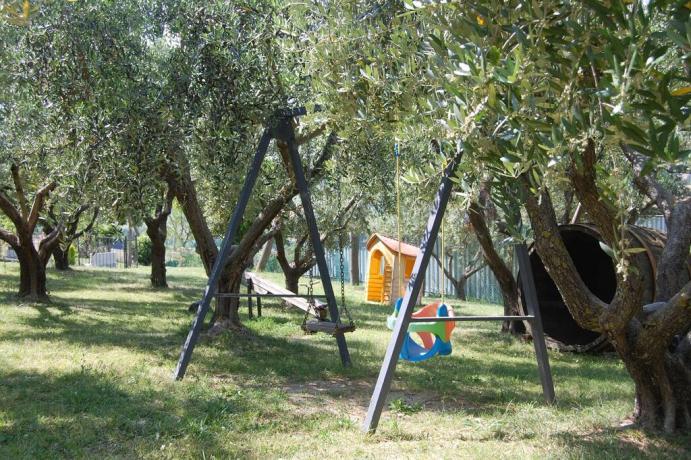 Casale con giardino e parco giochi Appignano-Macerata