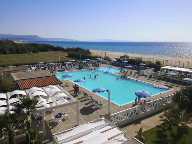Villaggio 4 stelle con Piscina fronte mare Calabria