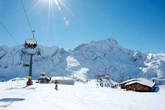 Holiday rentals and hotels near the skislopes