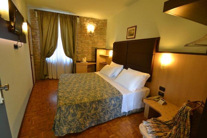 Hotel 3 stelle ad Assisi centro con Wi-Fi ideale per Gruppi Turistici e Famiglie