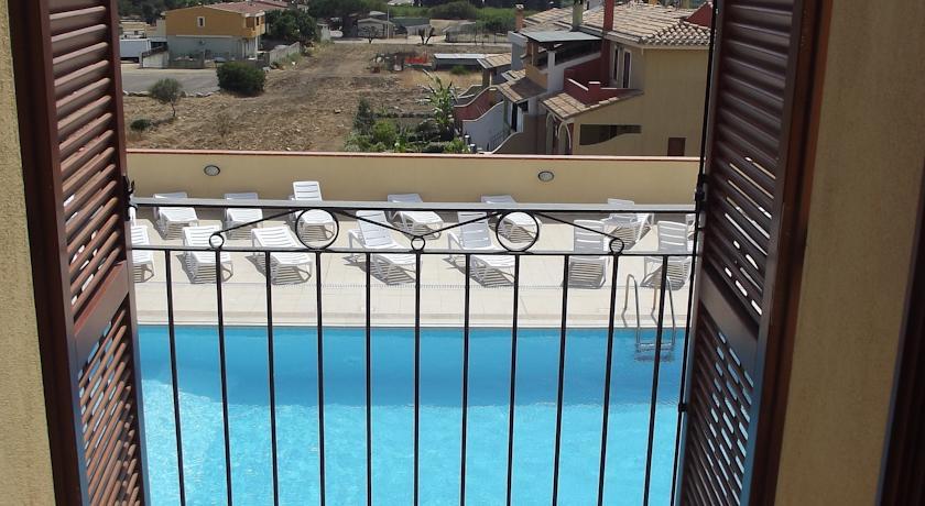 vista dagli appartamenti residence in sardegna