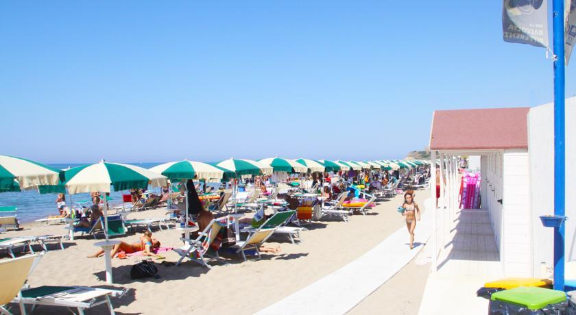 Hotel ad Anzio con Spiaggia e Piscina