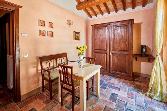 Casale vicino Spoleto ideale per gruppi 25/30 persone