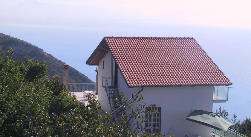 Appartamenti arredati, panoramici, moderni e funzionali