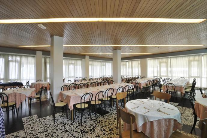 Ristorante con menù a scelta hotel a Pesaro