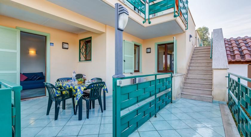Residence con parcheggio privato, Riviera D'Ulisse
