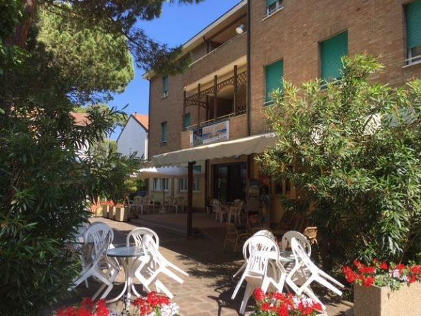Portico Hotel per aperitivi a Milano Marittima