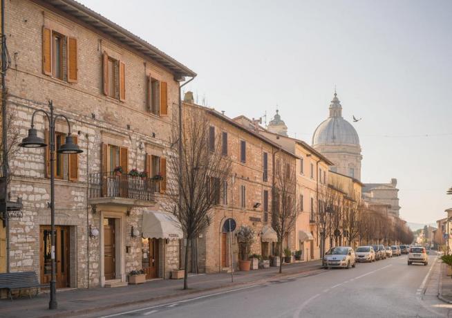 Affittacamere Prezzi Bassi Assisi vista Basilica