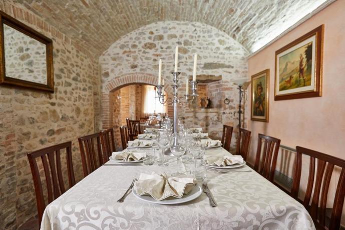 Sala comune casale Unciano per matrimoni-battesimi-comunioni Umbria