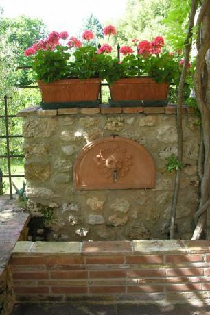 Fontana in muratura B&B a Massa Martana