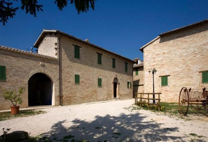 Agriturismo a Montefalco con camere e appartamenti