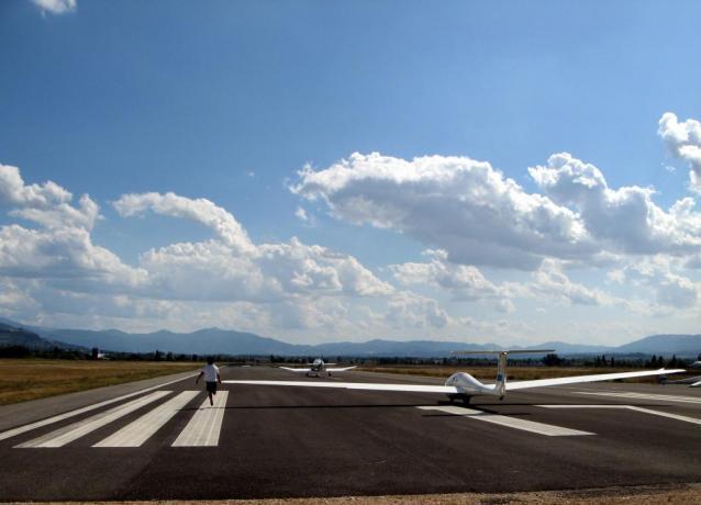 Aliante a Foligno, aeroporto per volo a vela