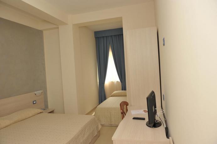 Camera con bagno privato e aria condizionata