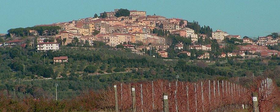 Borgo Castagneto Carducci, vicino nostro Residence, Toscana