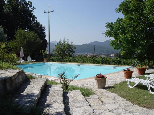 Agriturismo con giardino e piscina vicino Perugia