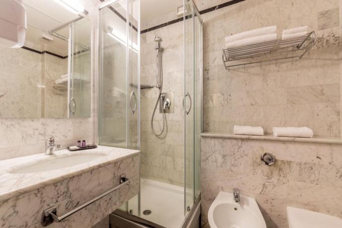 Bagno in Hotel vicino A1 Magliano-Sabina Lazio