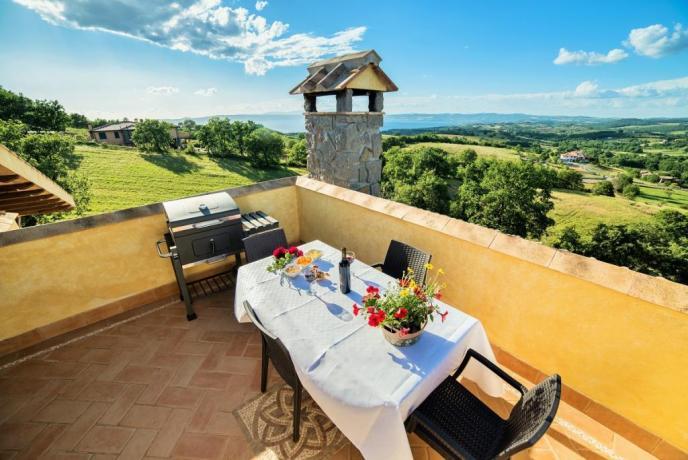 Appartamento Bianco terrazzo panoramico con barbecue