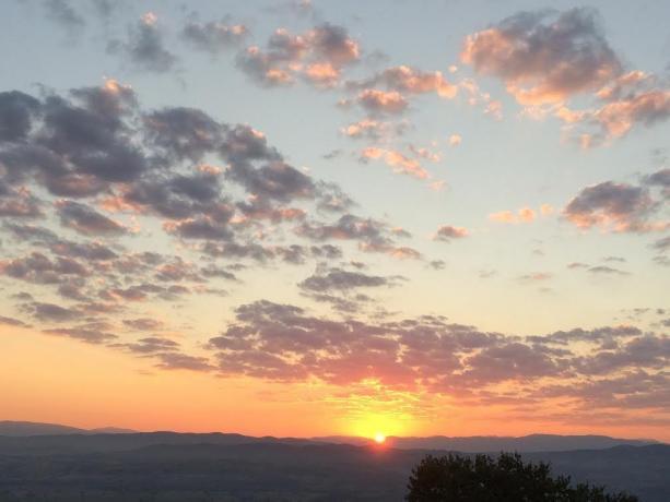 Suggestivo tramonto sulla vallata umbra
