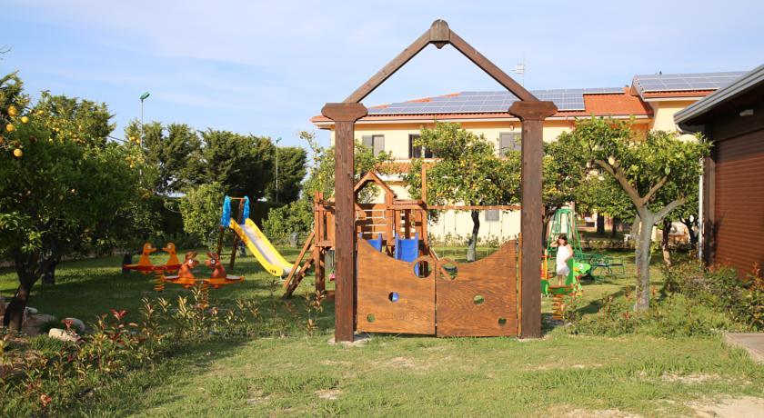 Villaggio con Area giochi per Bambini