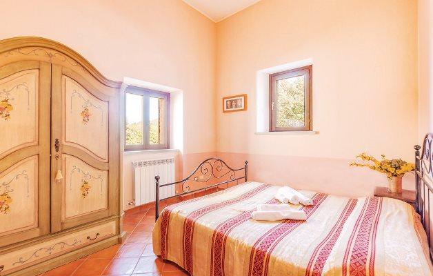 Casa Vacanza Marche Trilocale 5/7 - camera 2
