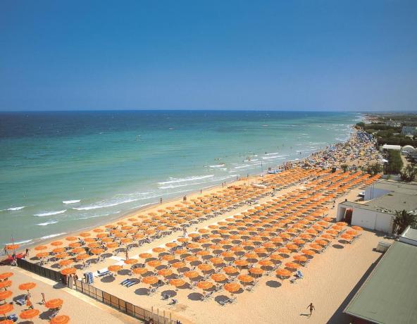 Puglia: Villaggio con Spiaggia Privata sabbiosa