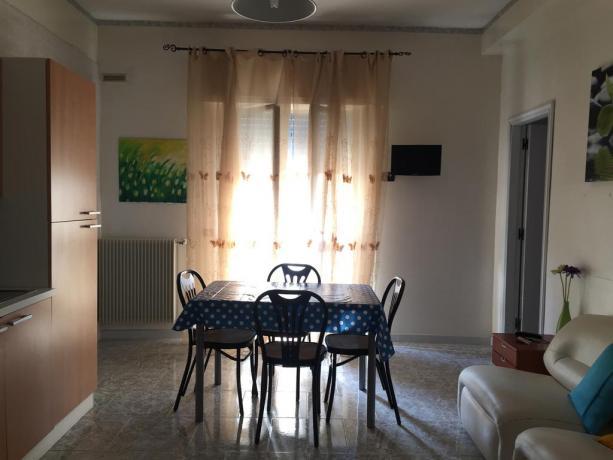 Appartamenti in B&B con ampio soggiorno a Taranto